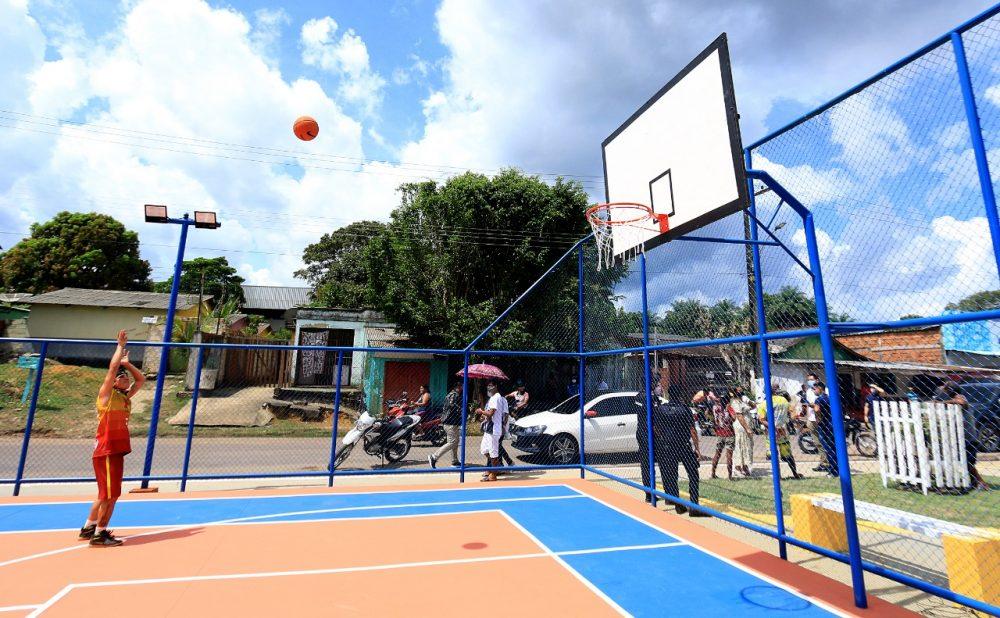 Juventude de Maués ganha novos centros esportivos
